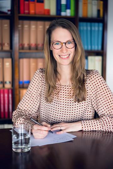 Kraus Rechtsanwälte | Dr. Clarissa K. Kraus